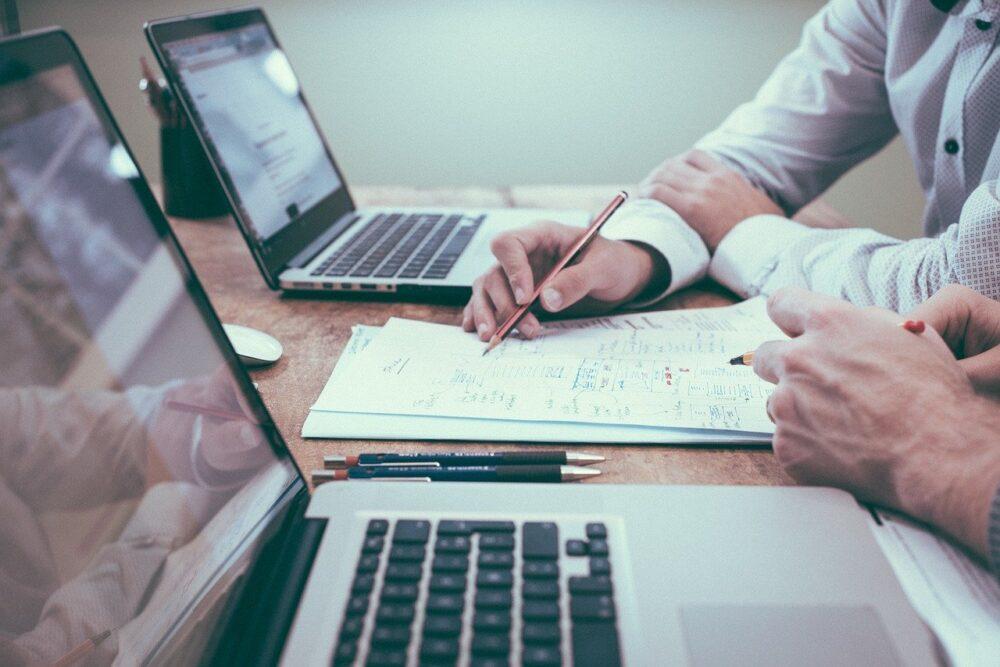 Artykuły specjalistyczne blogowe – dlaczego warto je tworzyć?